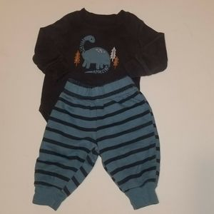 ❗3/💲20❗Child of Mine Dinosaur Outfit 0-3 months